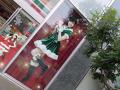 店頭には約4mの巨大まゆゆ! AKB48一色のセブンイレブンが秋葉原に登場