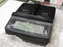 2種類のバッテリーを同時に充電できるアタッチメント式充電器「SL-DBTCR02」がルックイーストから!