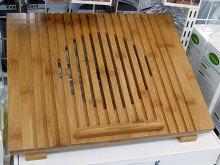 大型ファン搭載の竹製ノートPCスタンド「冷却ファン付 竹製 ノートPCスタンド」が上海問屋から!