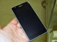 コンパクトなハイスペックスマホSony Mobile「Xperia ZR」が登場!