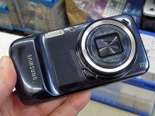 高性能カメラ搭載のSAMSUNG製スマホ「GALAXY S4 zoom」にブラックモデルが登場!