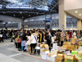 コミックマーケット85(C85)、開幕! 東/西(企業)/コスプレなど初日の各エリアの様子