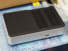TDP5WのAtomを搭載したファンレスNUCがインテルから発売に! eMMCストレージ内蔵/eDP搭載の企業向けモデル