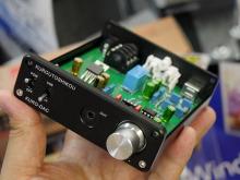 オペアンプ交換可能なUSB DAC搭載ヘッドホンアンプ「KURO-DAC」が玄人志向から!