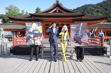「宇宙戦艦ヤマト2199」、厳島神社で劇場版のヒットを祈願! 森雪コスプレイヤーも参加