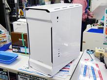 高冷却/高拡張性のMicroATX対応タワーケース! Phanteks「Enthoo EVOLV」発売