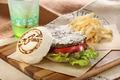 ガンダムカフェ、東京駅店がハンバーガーショップ「McDaniel HAMBURGERS」にリニューアル! タムラ特製の塩スレッガーバーガーなど