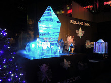 氷製の巨大クリスタルが秋葉原に登場! FF新作「ファイナルファンタジーレジェンズ 時空ノ水晶」「ファイナルファンタジー ブレイブエクスヴィアス」発表記念で