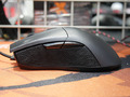 左右クリックボタンのスイッチが交換可能! ASUSのゲーミングマウス「ROG Gladius」発売