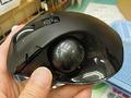 手のひらの「のせ心地」を追求したトラックボールにファンクションボタン搭載モデルが登場!