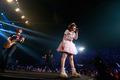 内田彩 2ndライブ「Blooming!」レポート 7000人のファンが集結 ステージで自転車も披露!